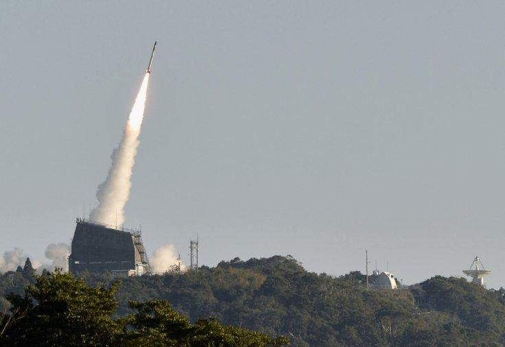 Japón hace historia: lanza el cohete más pequeño que coloca un satélite en órbita
