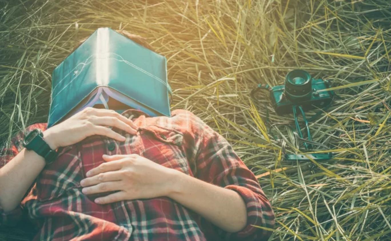 Las siestas pueden hacer que nuestros cerebros «recuerden» cosas que nunca sucedieron