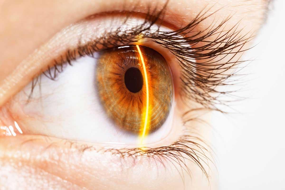 Lentes de contacto con etiquetas láser podrían hacerte emitir rayos desde tus ojos
