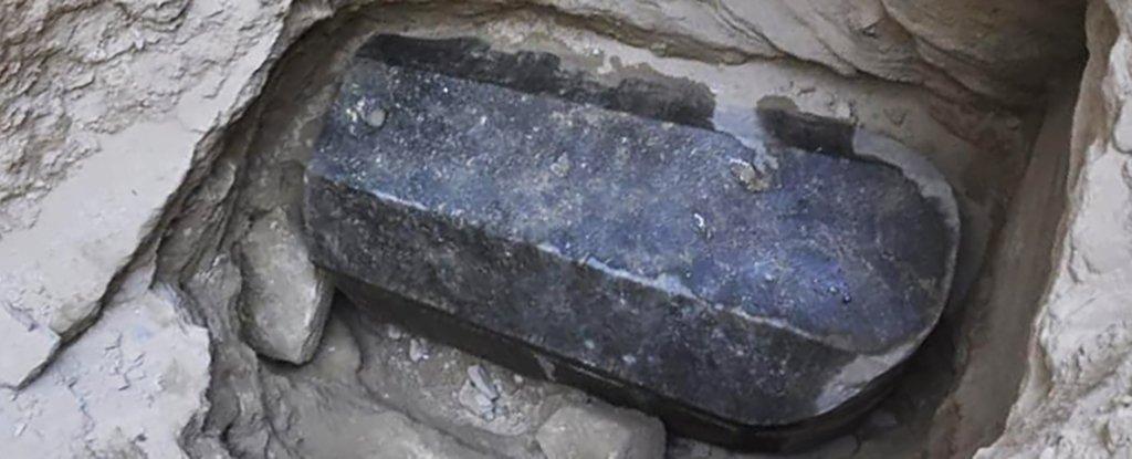 Un enorme sarcófago ha sido desenterrado en Egipto, y nadie sabe quién está dentro