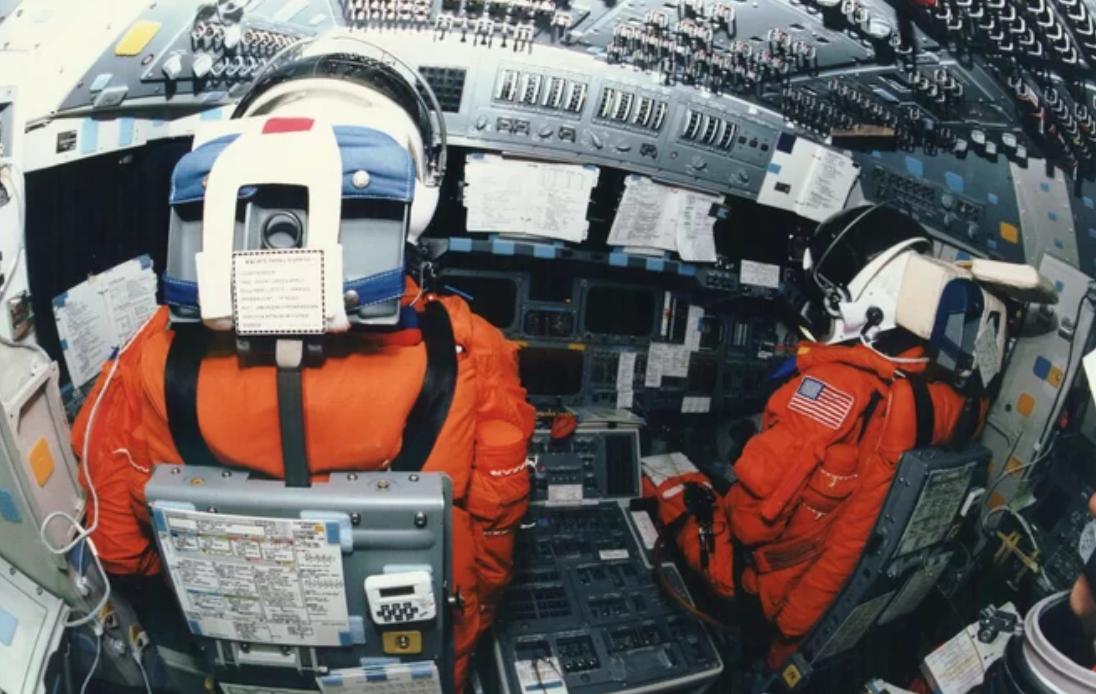 Las nuevas naves espaciales comerciales son como 'manejar un iPhone', dice nuevo astronauta