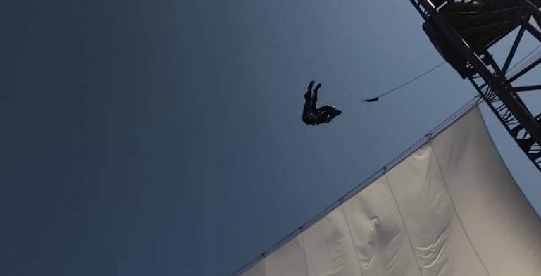 Disney está desarrollando un robot humanoide que hace piruetas en el aire