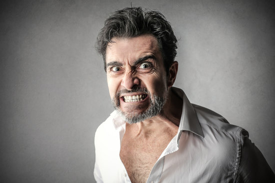 Las personas que se enfadan regularmente serían más propensas a sobreestimar su inteligencia
