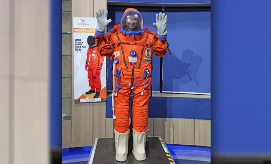 India presenta su propio diseño de traje espacial que utilizará en el 2022