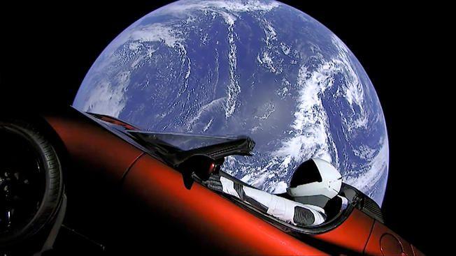 El 'Starman' de SpaceX y su Tesla Roadster están ahora más allá de Marte