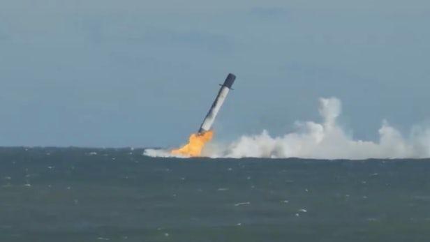 El Falcon 9 de SpaceX llevó carga a la EEI pero la primera etapa terminó en el océano
