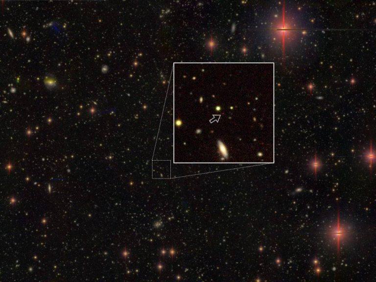 Astrónomos descubren 83 agujeros negros supermasivos en el universo temprano