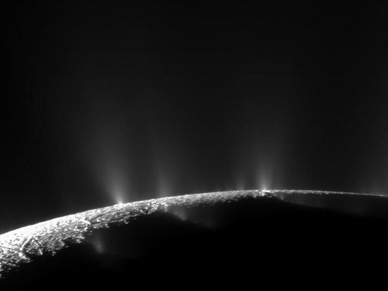 Compuestos Orgánicos Encontrados en Encélado
