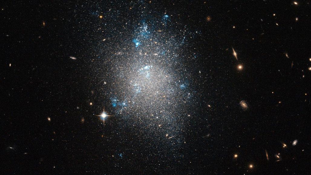 Encontradas otras 19 galaxias a las que misteriosamente les falta materia oscura