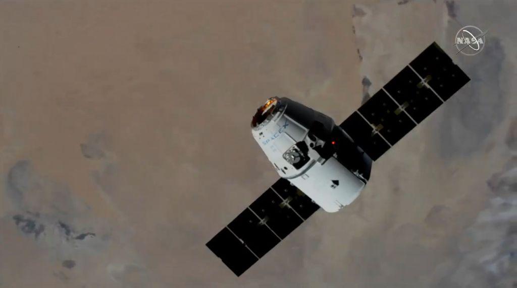 La cápsula Dragon de SpaceX llega a la estación espacial con un 'Robot Hotel', ratones y más equipo de la NASA