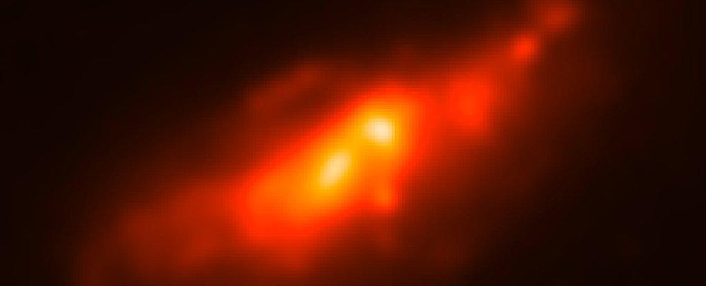 Se ha captado la imagen de un 'doble núcleo' extremadamente raro en una galaxia cercana