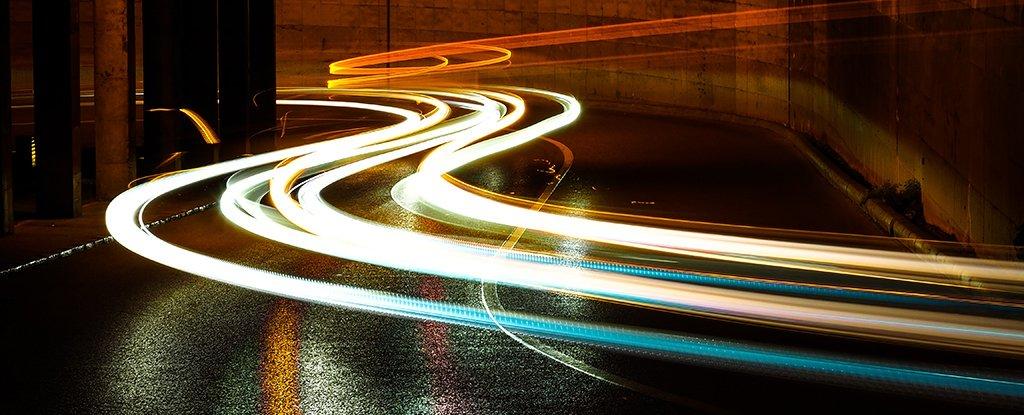 Ingenieros presentan un sistema que suministra electricidad de forma inalámbrica a automóviles
