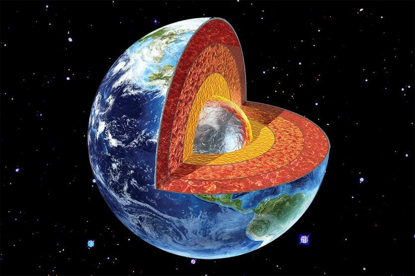 Hallan nuevas y enormes estructuras sólidas cerca al núcleo de la Tierra