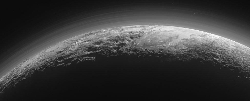 Finalmente podríamos entender por qué Plutón tiene océanos líquidos pese a estar tan lejos del Sol