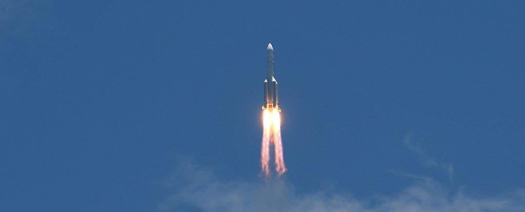 China lanza con éxito un rover hacia Marte, uniéndose a la nueva carrera espacial