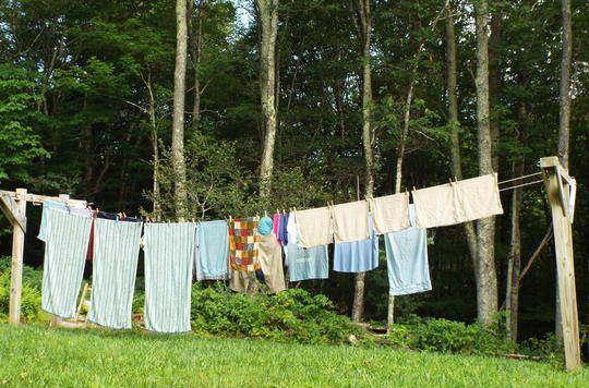 ¿Por qué huele tan bien la ropa recién lavada?