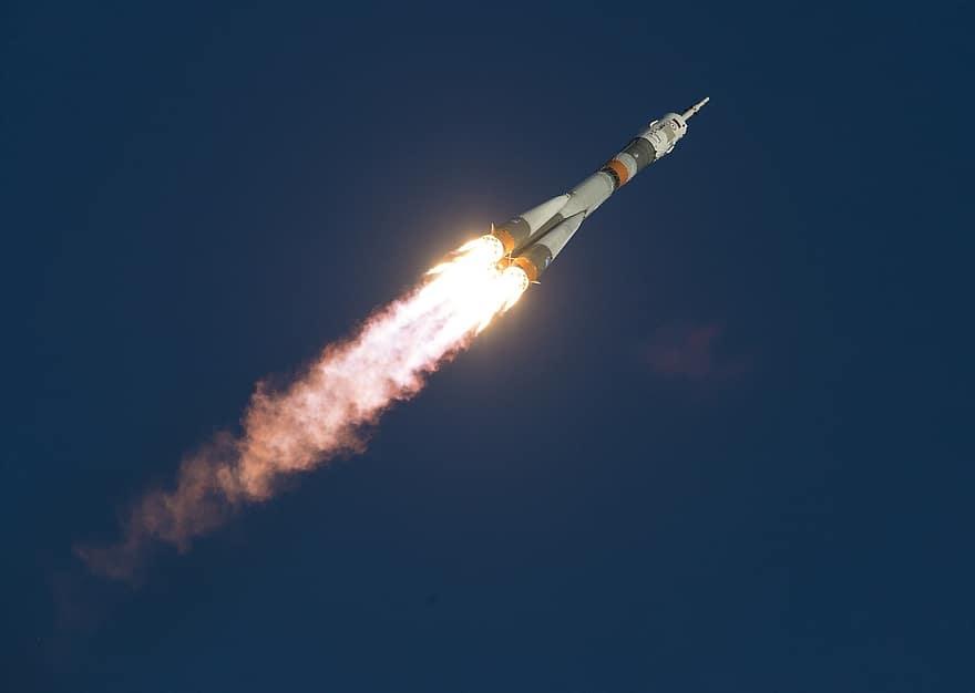 Rusia quiere regresar a Venus con un cohete reutilizable mejor que el de SpaceX