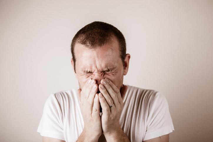 ¿Por qué hacemos el sonido 'achú' cuando estornudamos?