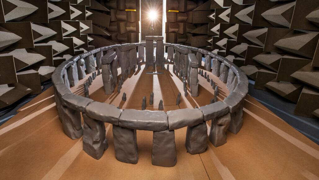Científicos construyen un mini Stonehenge para conocer su acústica