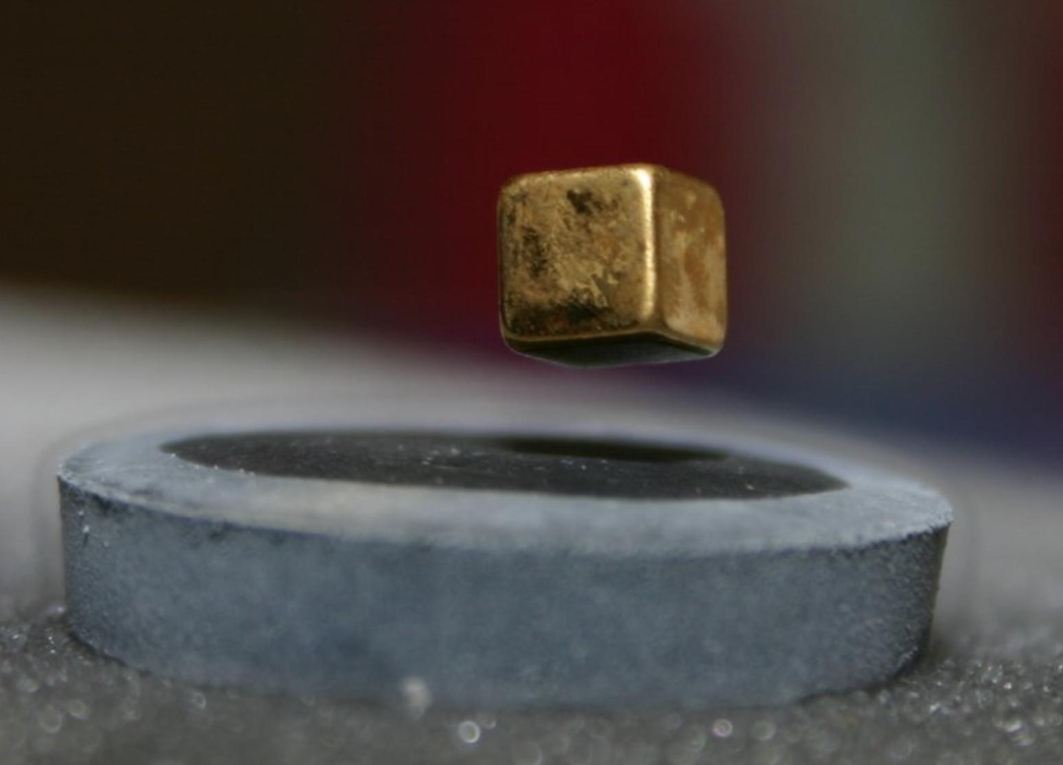 Por primera vez: físicos logran superconductividad a temperatura ambiente