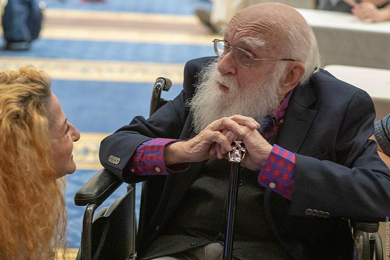 James Randi, el ilusionista que exponía charlatanes, falleció esta semana