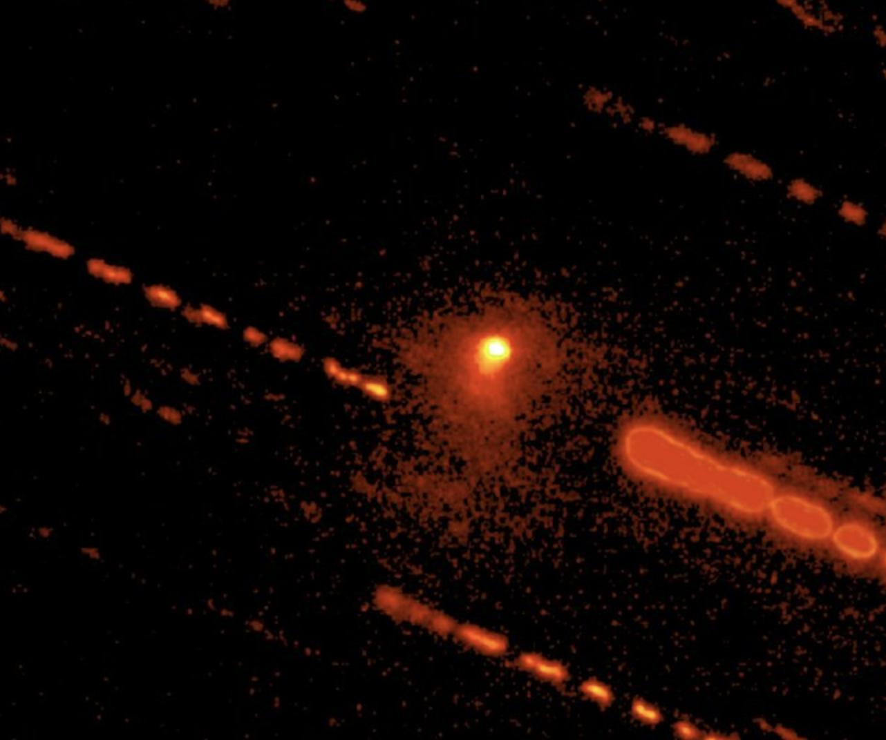 Astrónomos descubren actividad cometaria en un misterioso objeto distante