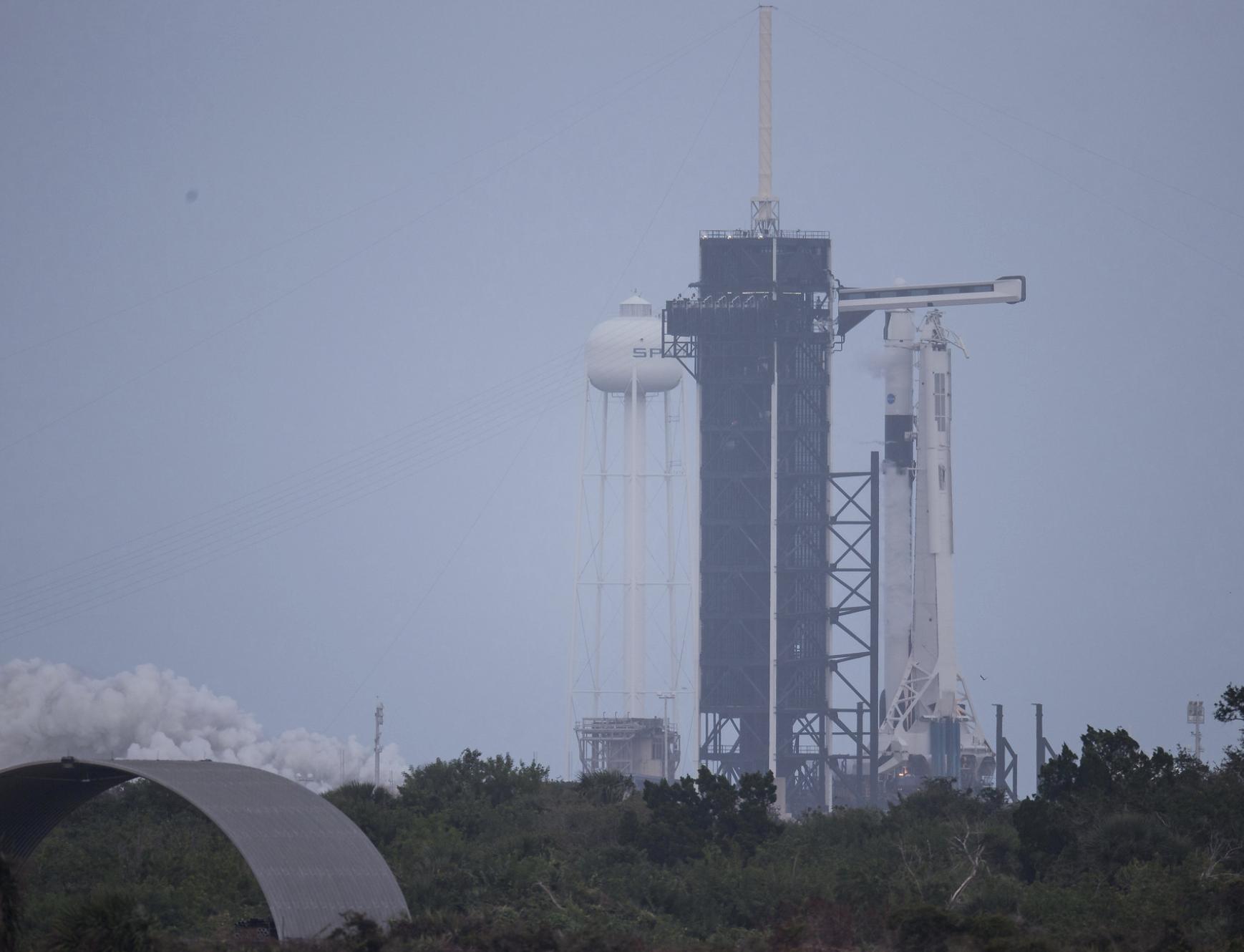 SpaceX prueba con éxito el cohete para el lanzamiento de astronautas de la NASA