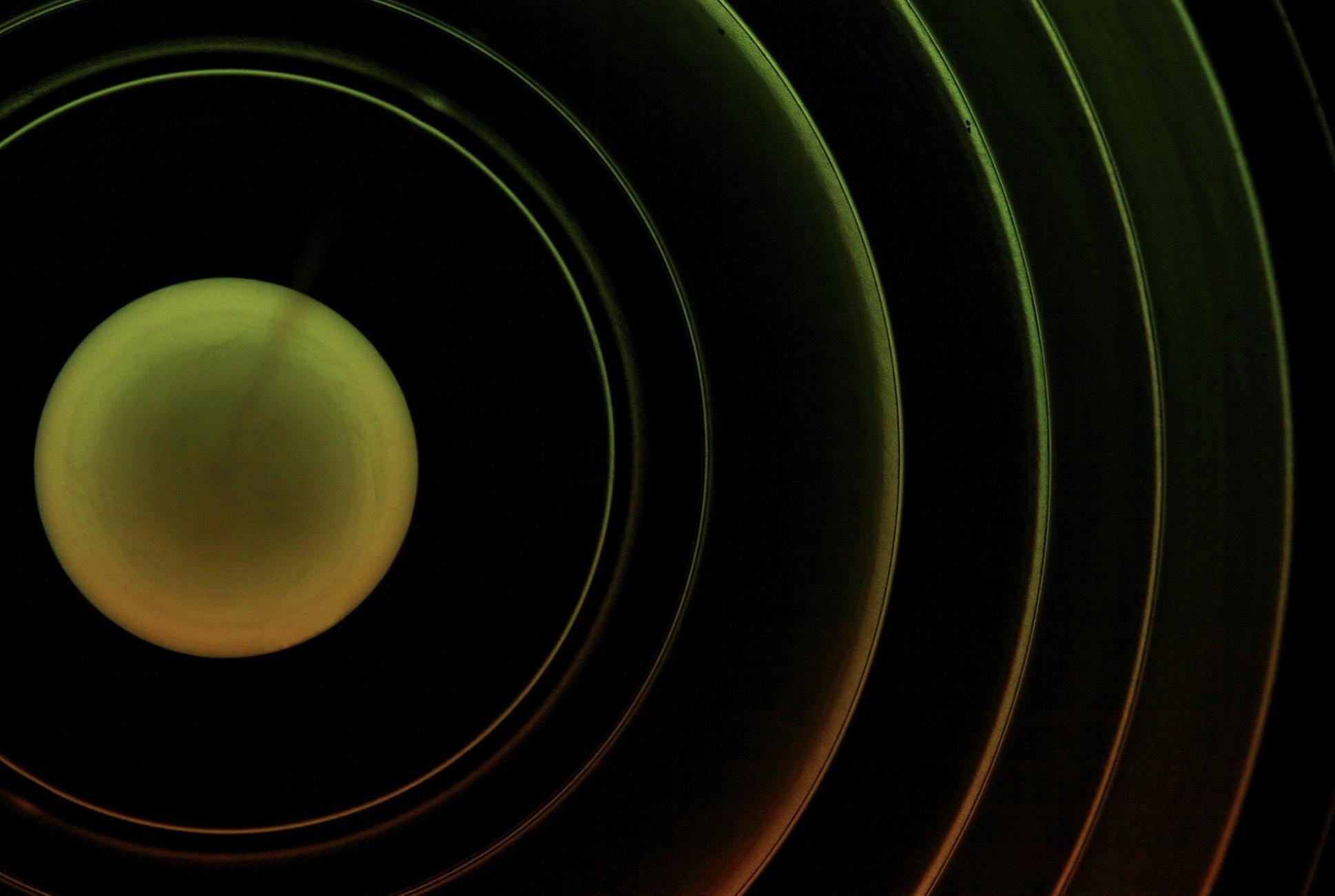 Físicos logran algo que se creía imposible: crear y cancelar campos magnéticos a distancia