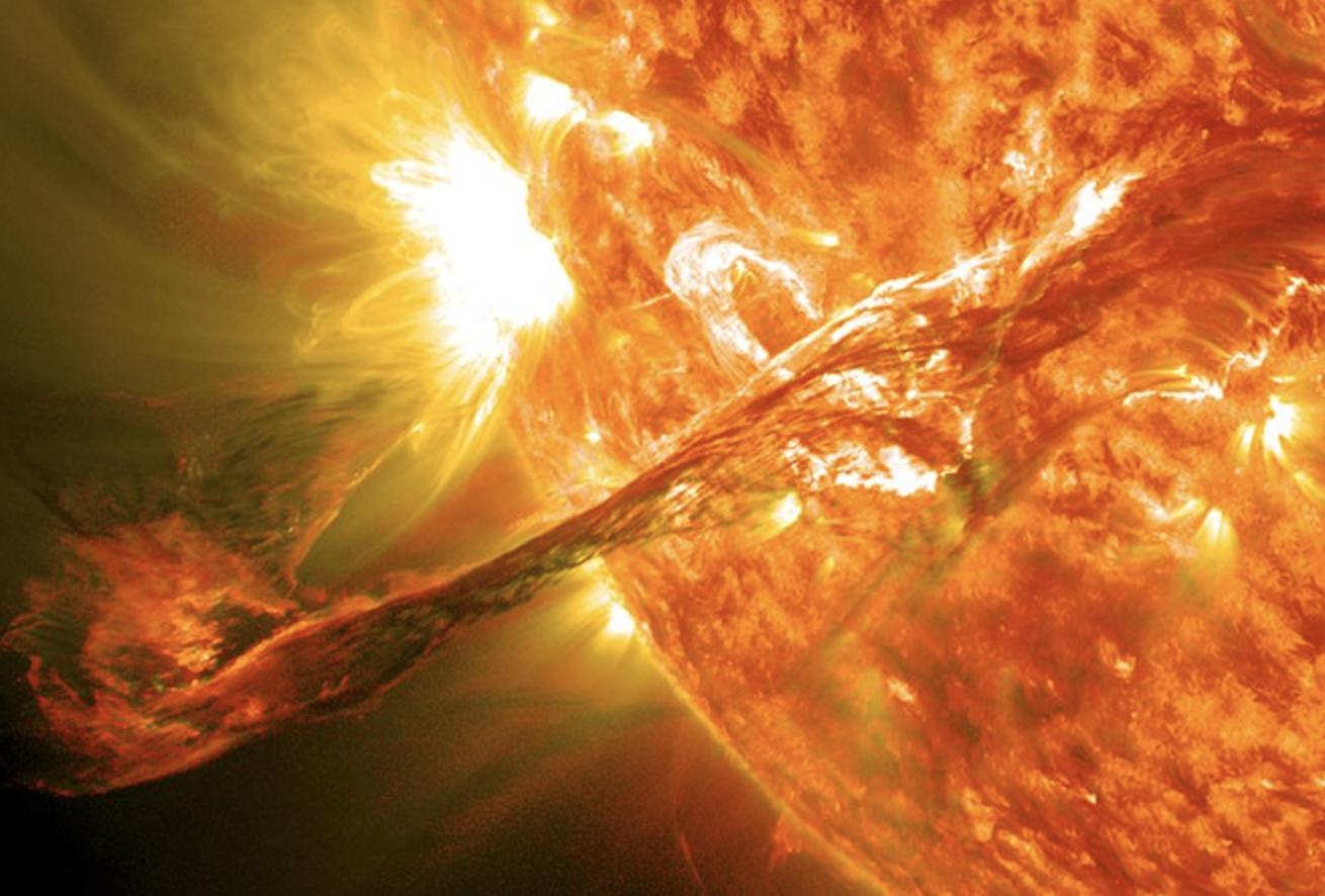 Dos sondas espaciales han registrado la misma eyección de masa coronal en evolución