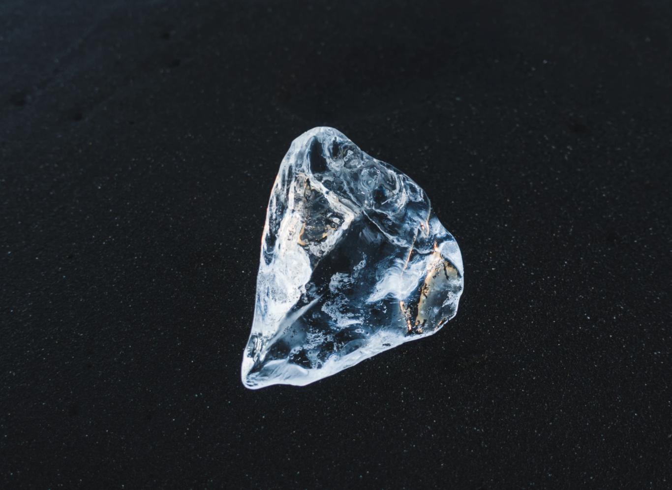 El carbono mantiene su estructura de diamante aún a presiones de 5 veces la del núcleo de la Tierra
