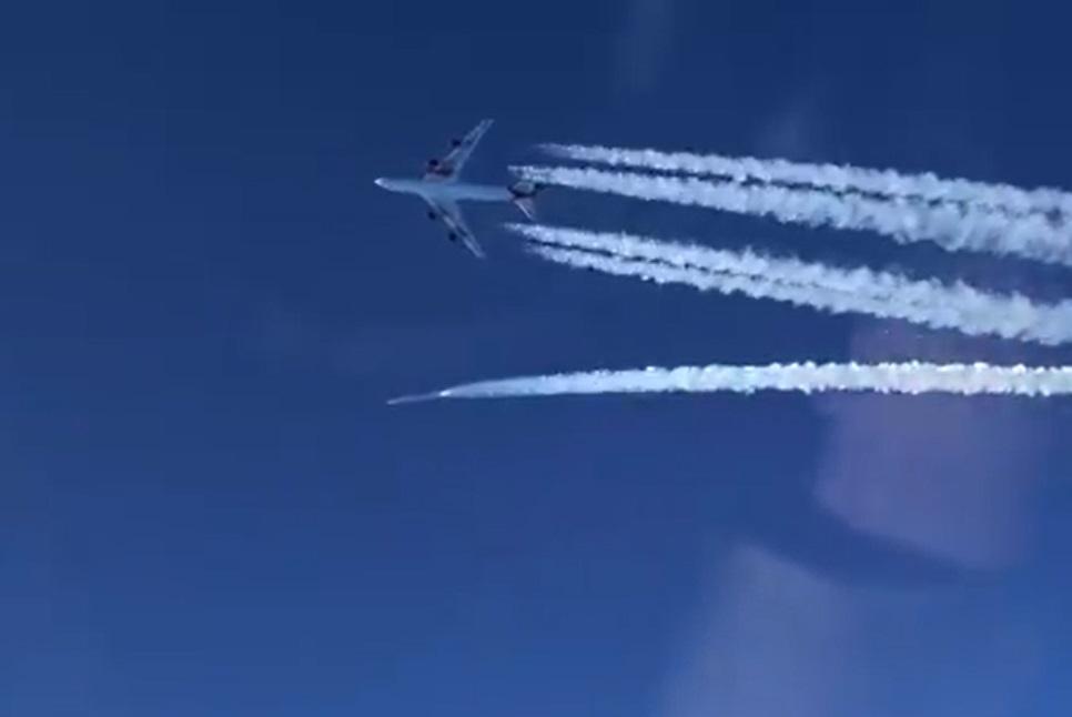 Virgin Orbit lanzó con éxito sus primeros satélites desde el ala de un avión