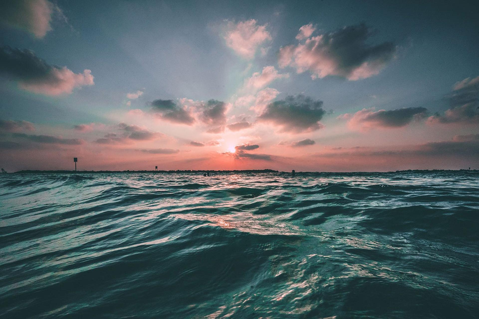 Científicos descubren un gigantesco y desconocido ciclo de hidrocarburos en los océanos