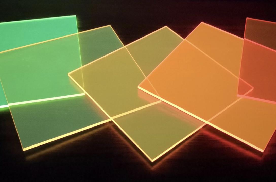 Las ventanas del futuro generarían energía a partir de luz exterior e interior
