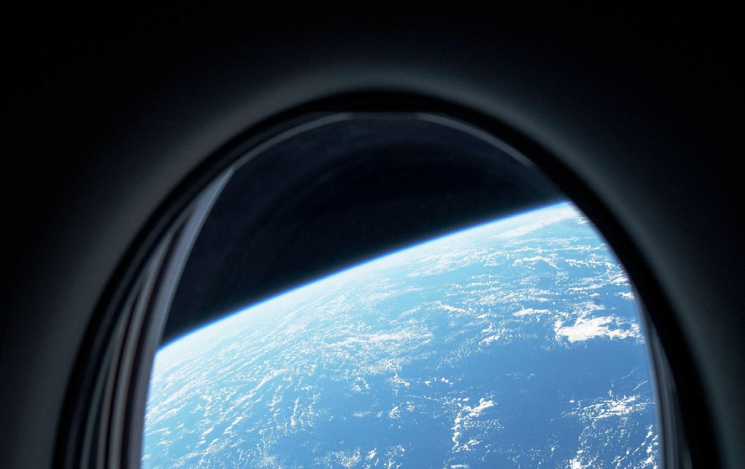 SpaceX anuncia su primera misión con turistas espaciales para fines de este año