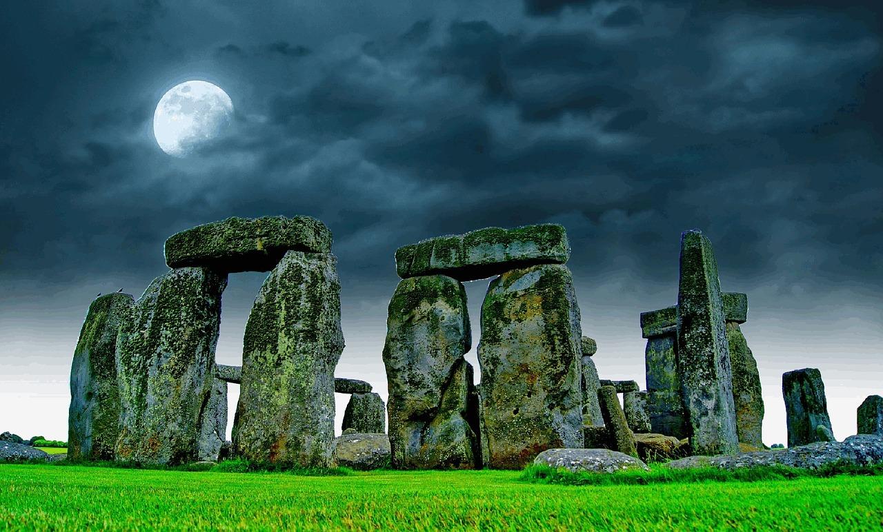 Tumbas neolíticas y un taller de la Edad de Bronce encontrados cerca de Stonehenge