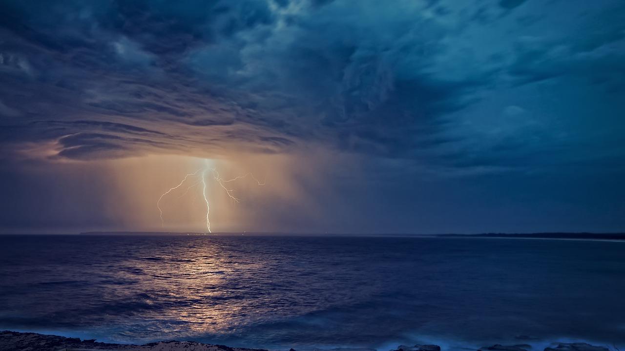 Los rayos habrían generado la chispa que inició la vida en la Tierra