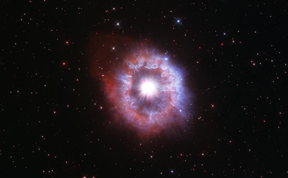 Telescopio Hubble muestra a la hermosa y gigante estrella AG Carinae al borde de su destrucción