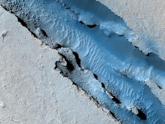 """Sonda InSight de la NASA detecta dos importantes """"martemotos"""" en la región de Cerberus Fossae"""