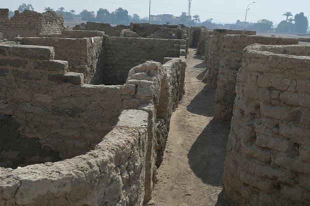 Arqueólogos descubren «la ciudad perdida más grande de Egipto»