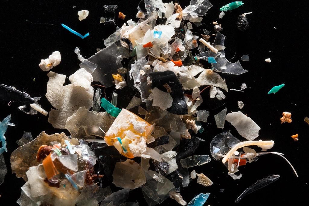 Solo 20 empresas producen más del 55% de todos los residuos plásticos de un solo uso en el mundo