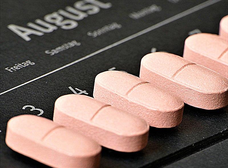 Mujeres que toman vitamina D tienen menos probabilidades de dar positivo a COVID-19, sugiere estudio