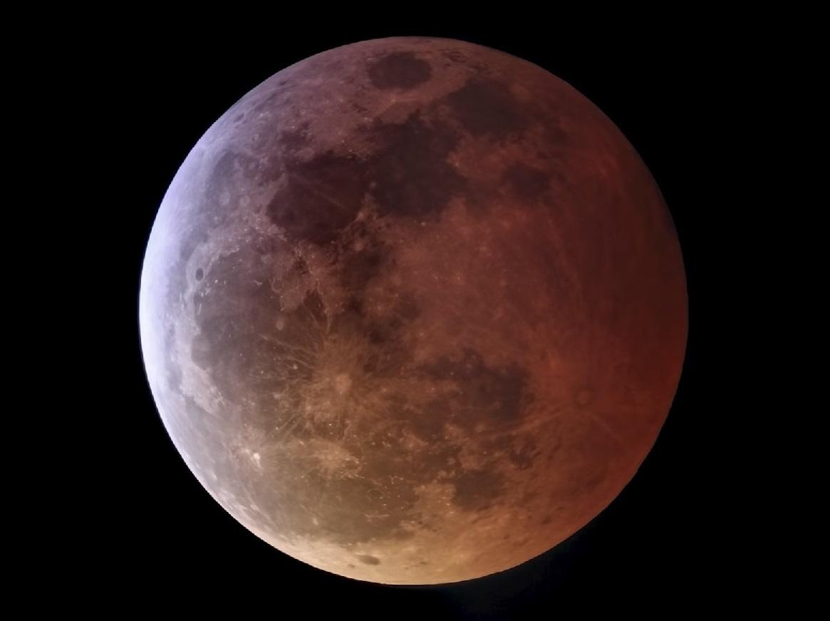 Así se vivió la «superluna de sangre» en diversas partes del mundo
