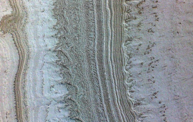 """Los """"lagos"""" subterráneos en Marte podrían no ser agua, sino arcilla"""
