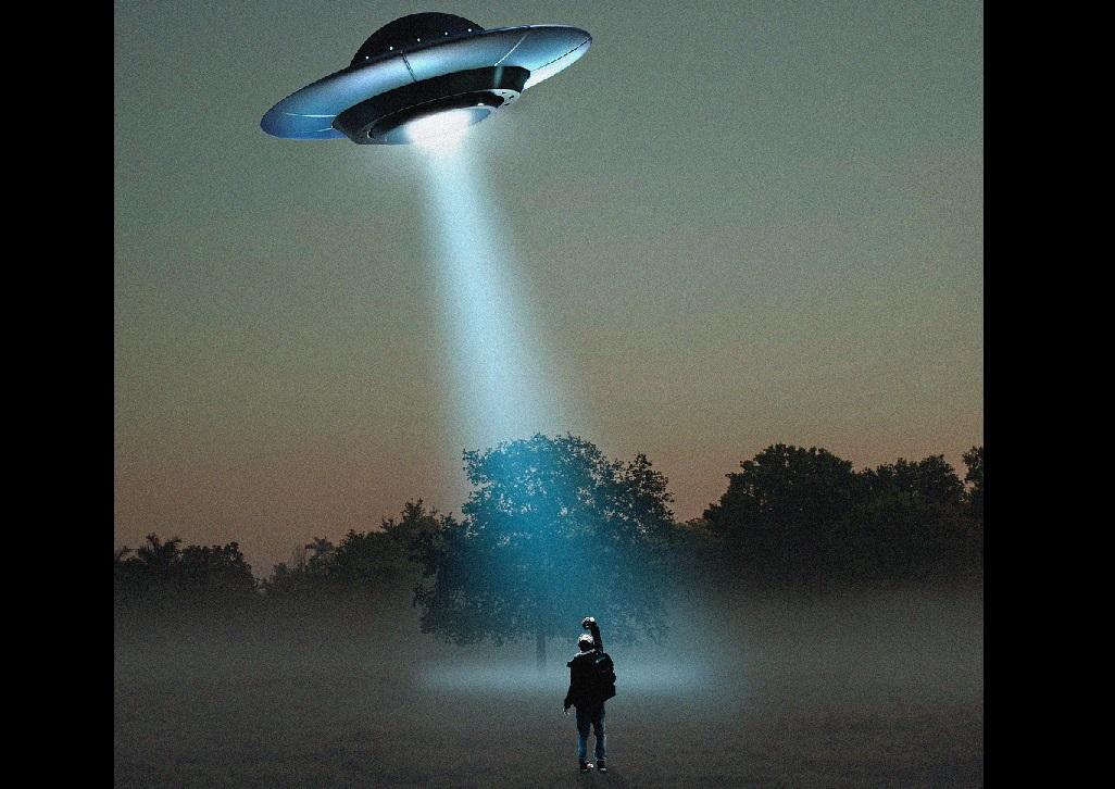 Científicos emulan encuentros con aliens y OVNIs para intentar explicar las abducciones