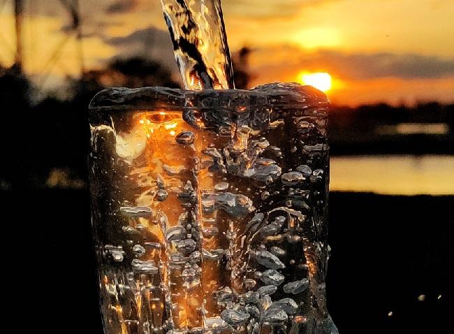 Ingenieros desarrollan una forma sencilla de desalinizar agua que es hasta 4 veces más eficiente