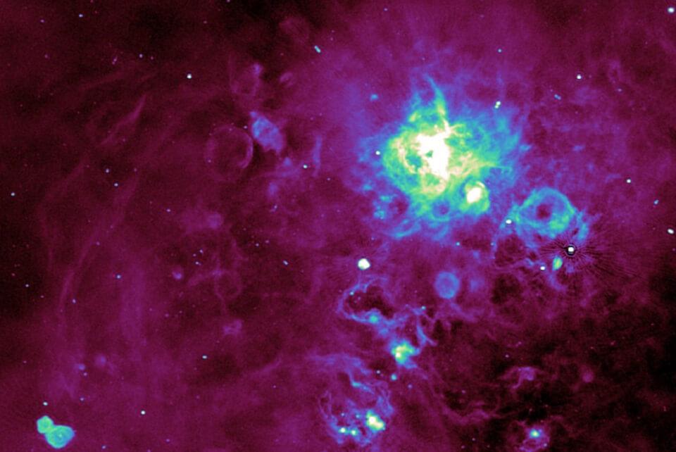 Astrónomos detectan miles de nuevas señales de radio de fuentes cósmicas cercanas