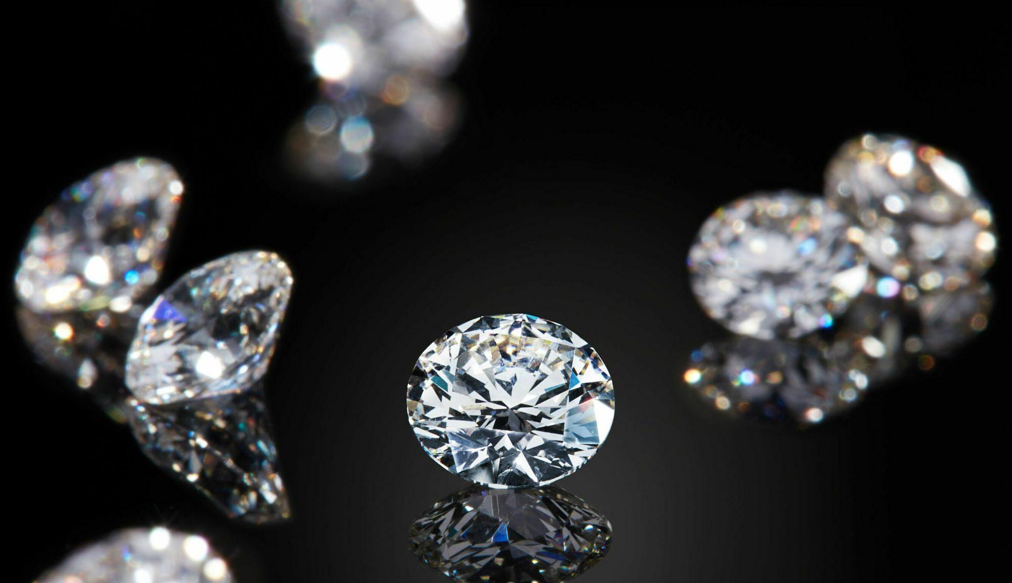 Los diamantes más raros se forman a 300 km bajo la superficie y a partir de restos de organismos