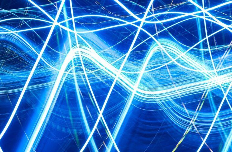 Científicos crean un nuevo tipo de metal donde los electrones se comportan como un fluido