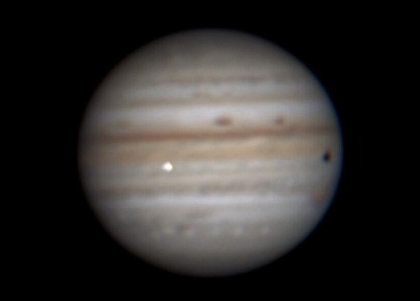 Astrónomo aficionado detecta un cuerpo desconocido cayendo sobre Júpiter