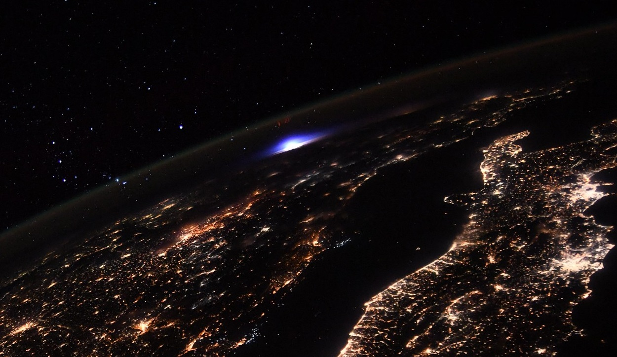 Astronauta Pesquet logra fotografiar un extraño fenómeno atmosférico desde la ISS